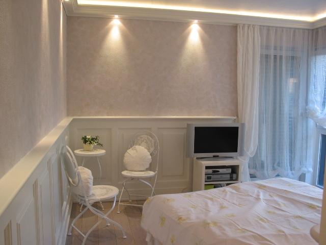 ... Schlafzimmer Wandverkleidung Kranzprofil ...